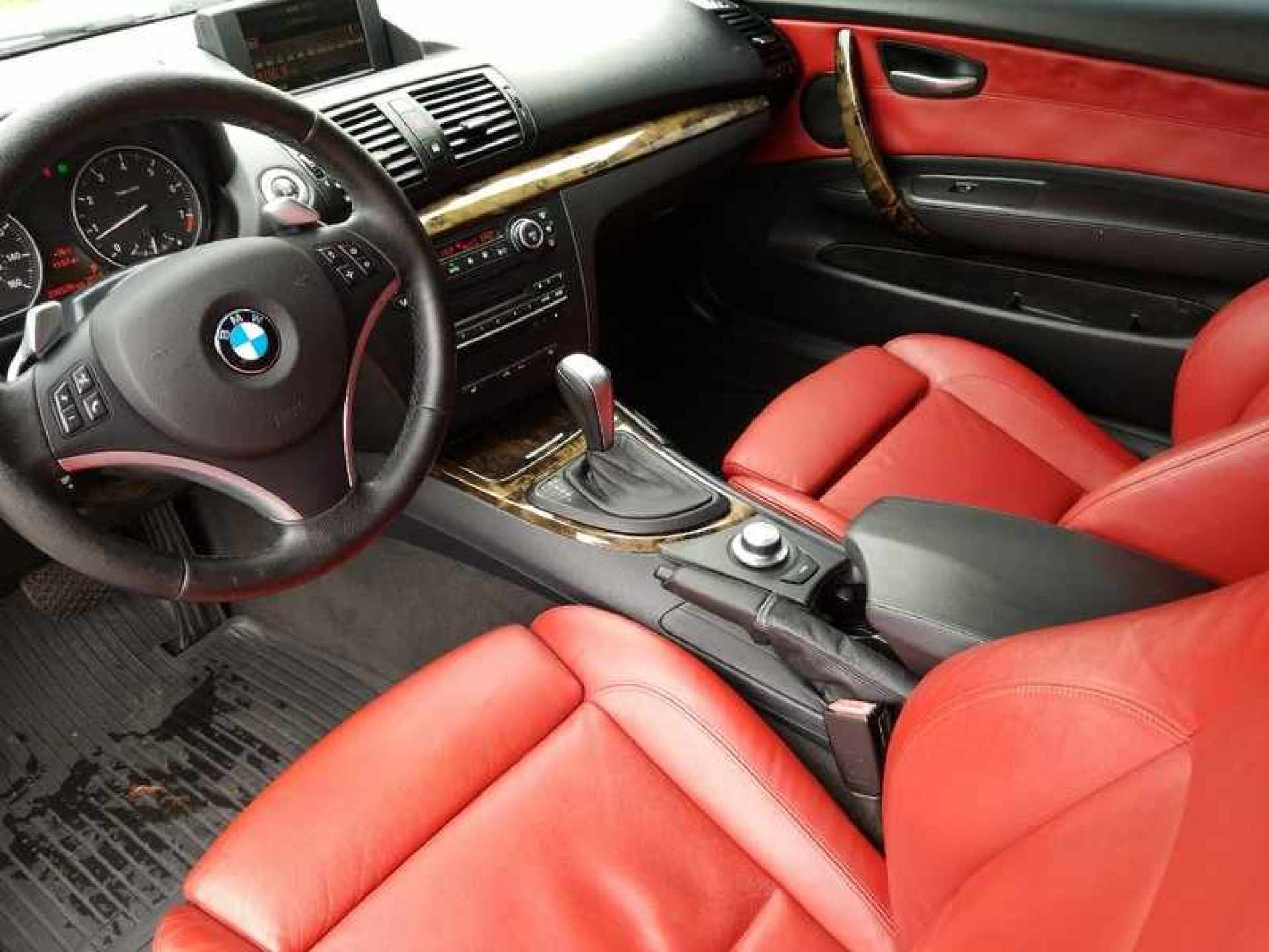 Buy 2008 Bmw 1 Series Convertible White Red Leather Looks Great Navi Sport Seats Nice For Sale In Sarasota Fl 7dayautos